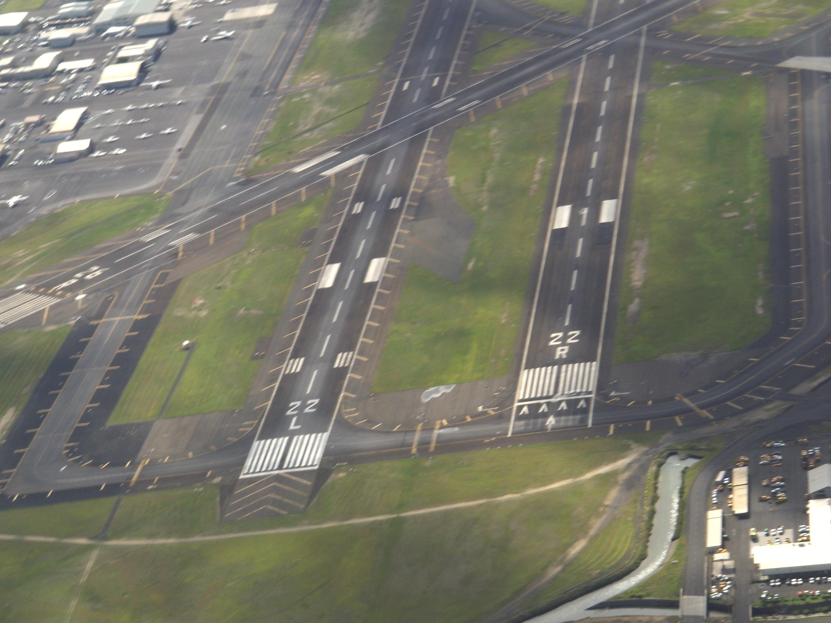 Honolulu Airport Runway Gallery